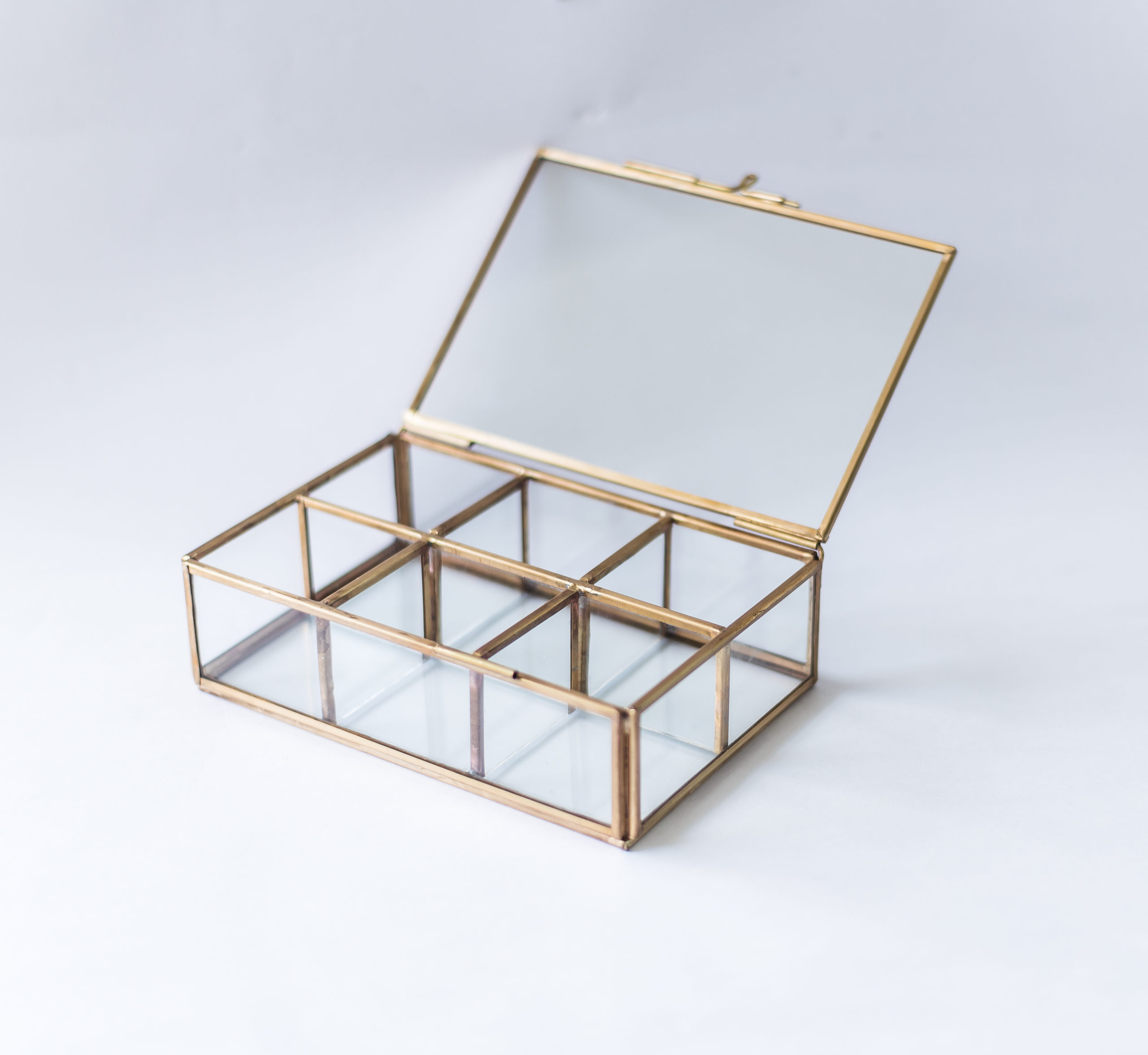 6-Compartment Glass Organiser