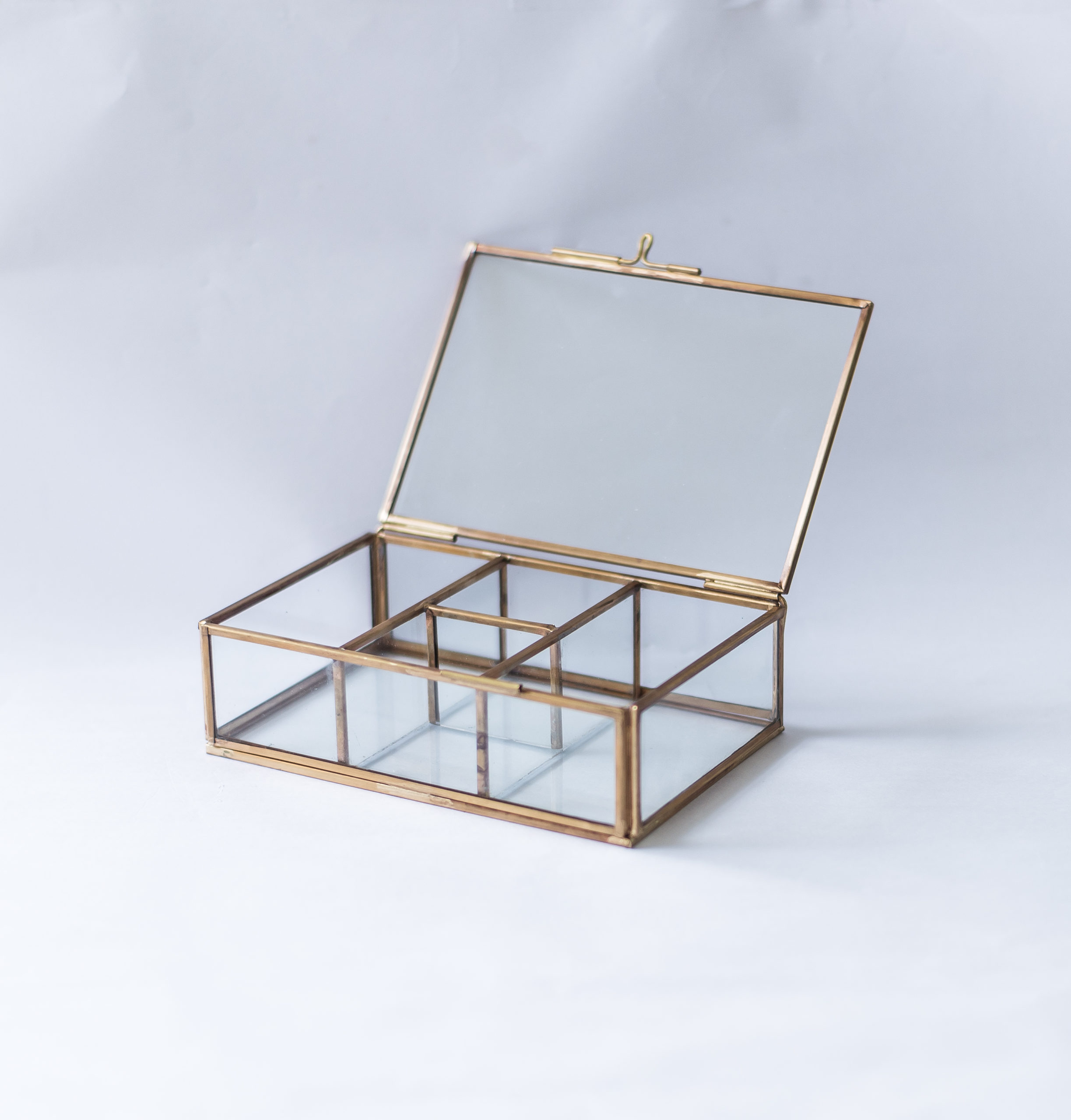 4-Compartment Glass Organiser